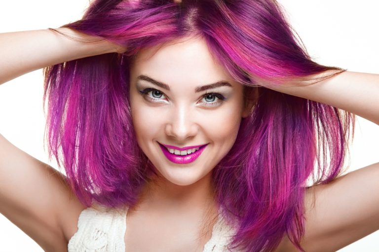 beauty-fashion-model-girl-with-colorful-dyed-hair-LDF86A5